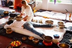 Tibetan sound healing ning with shiva girish