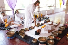 how to give deep healing Sound bath session with Tibetan singing bowls